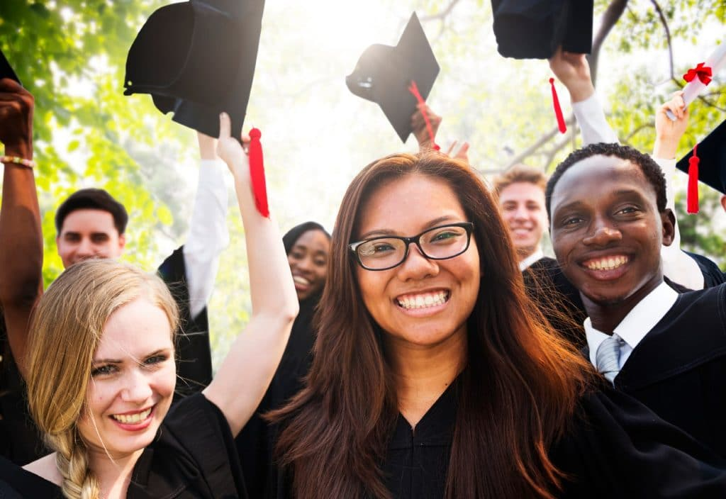 Link Financial Advisory - College Awards Season is Here